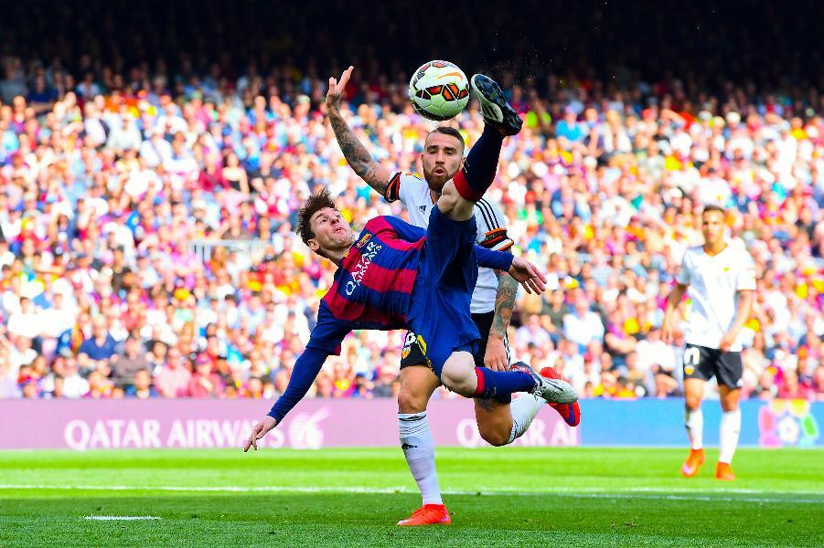 Messi bicycle kick